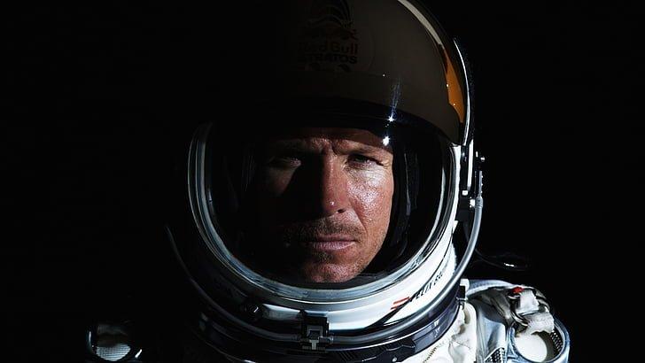 astronaut-baumgartner-face-felix-wallpaper-preview.jpg