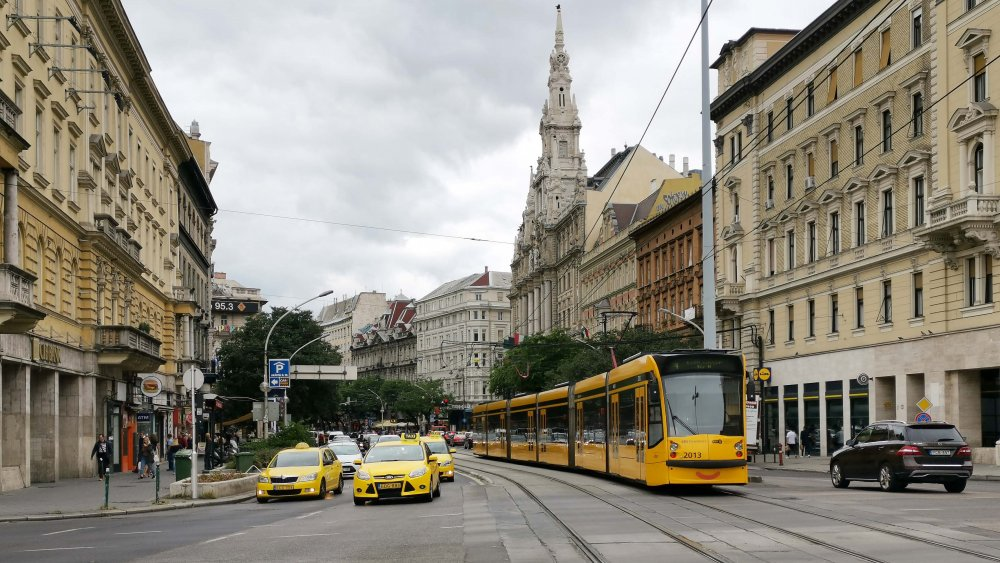 Crazy! This is what Budapest drivers are like – VIDEOS – Daily ...