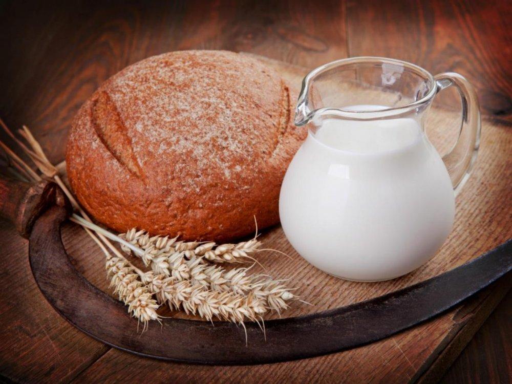 """Cornul și laptele, soluția opririi pandemiei? Savanții britanici au o idee """"trăsnită"""""""