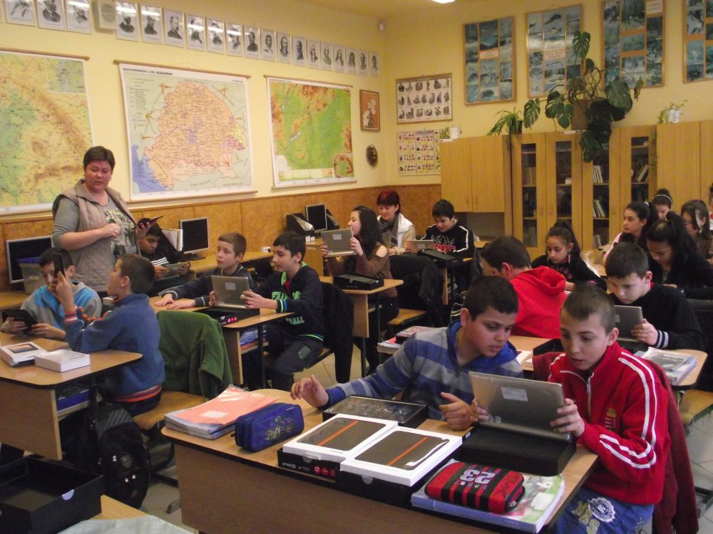 The BNI Foundation provides computers to a school in Hungary. The ...