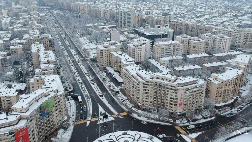 Oraşul Ploieşti iarna, văzut din dronă .Partea întâi. - YouTube