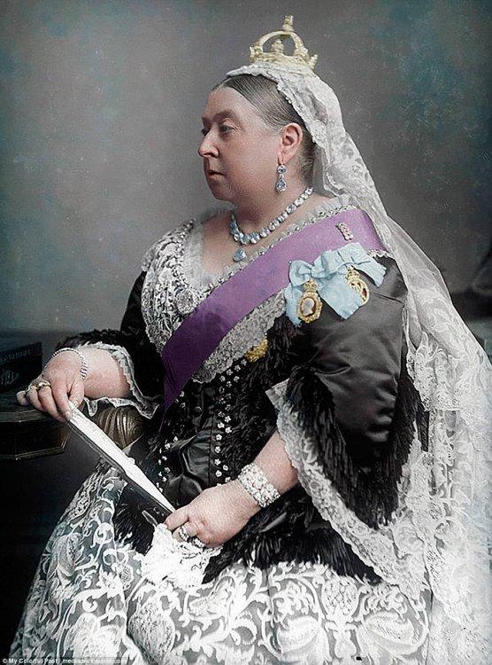 Imagini pentru victoria  queen color