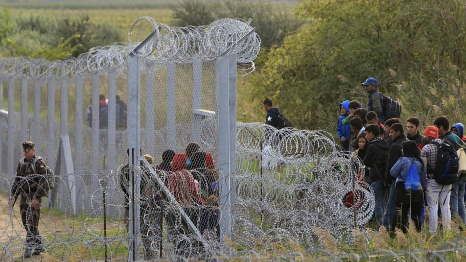 Hungary Fences in Borders