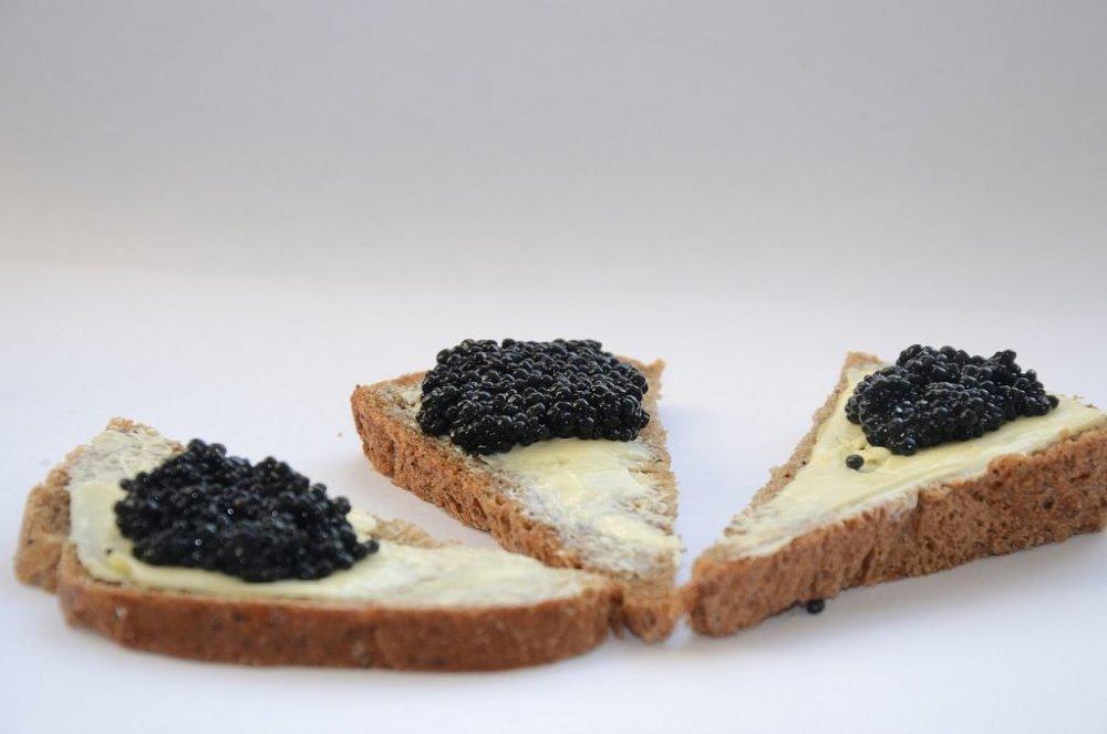 Mâncaţi caviar! Merită toţi banii pentru că tratează 5 probleme mari de sănătate
