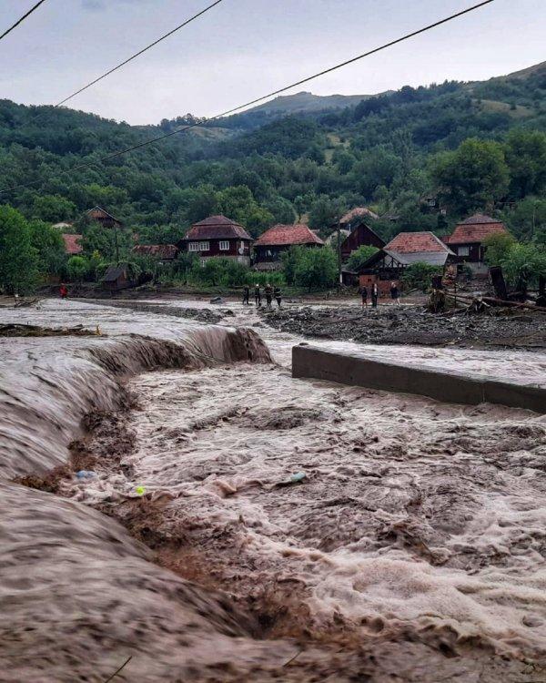 inundatii_comuna_ocolis_alba.jpg