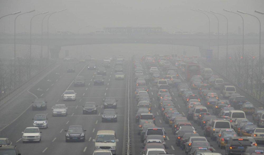 8c9596538-131105-beijing-cars-pollution-