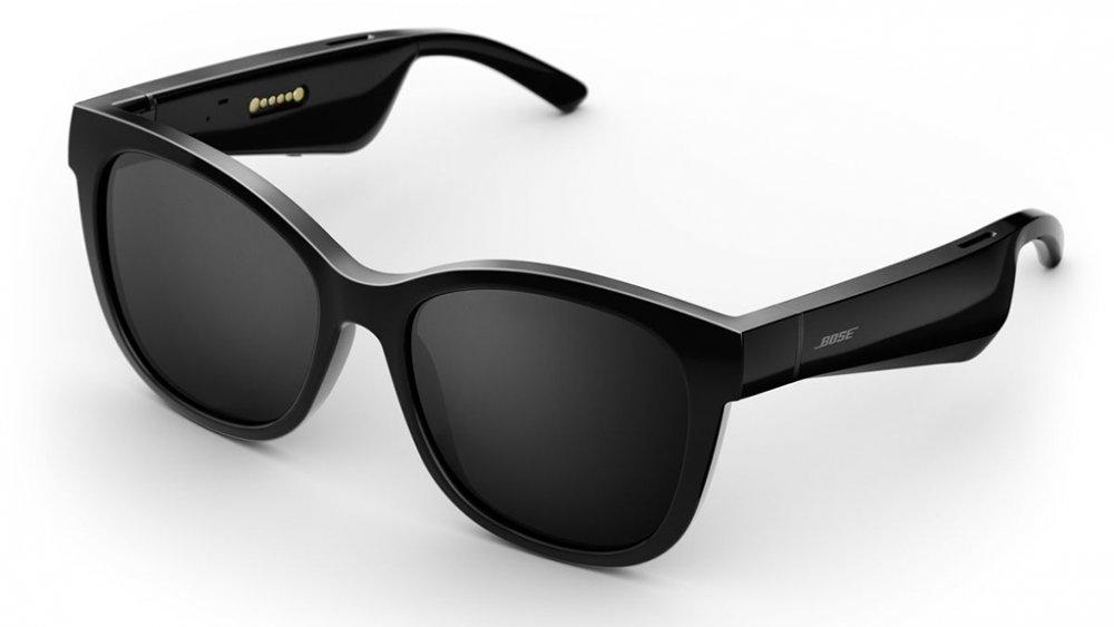 James Bond is megirigyelné a fülhallgatós napszemüveget