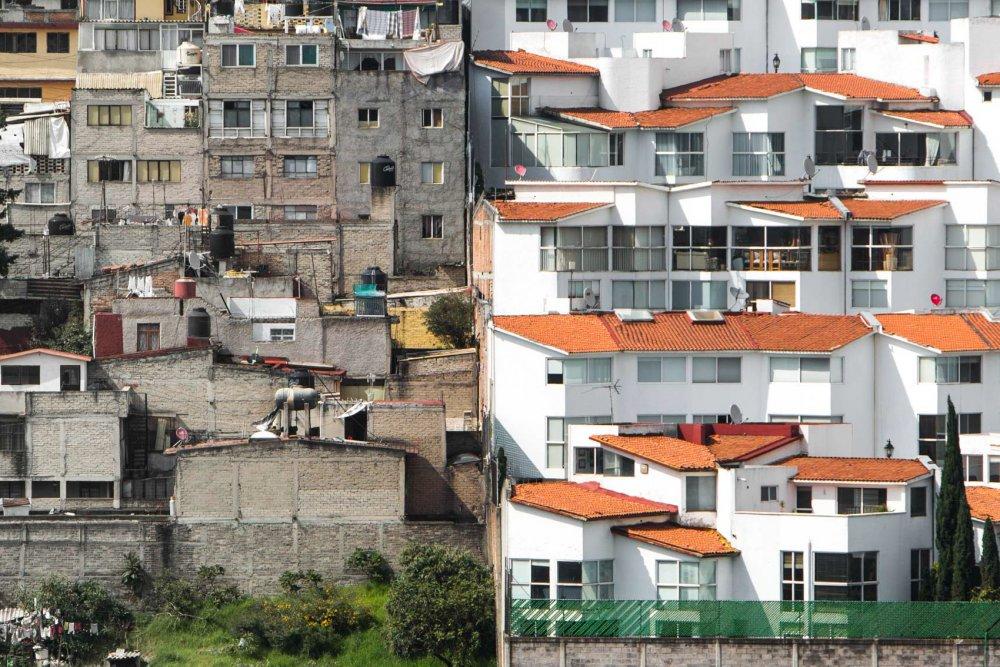 Unequal Scenes - Mexico City