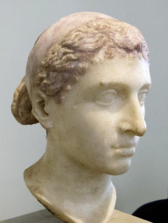 Imagini pentru cleopatra  bust