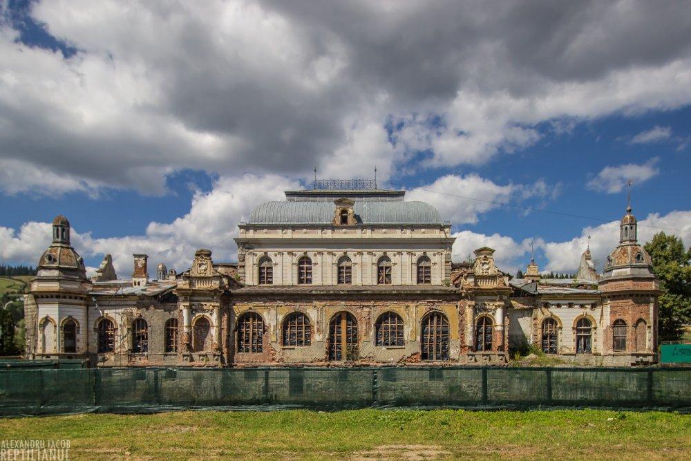Cazinoul din Vatra Dornei se reabiliteaza cu bani europeni, la 13 ani de la  retrocedarea catre Arhiepiscopie     Finantare.ro