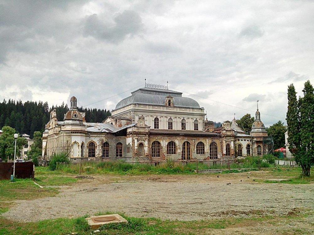 FOTO. Cazinoul din Vatra Dornei va fi reabilitat: La ce va fi întrebuințat